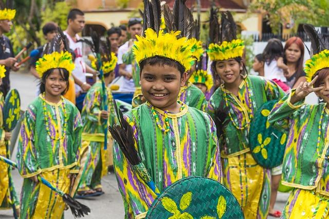 セブ島最大のスリのお祭り シヌログ